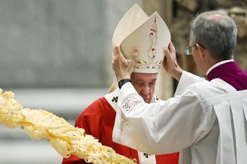 Le pape célèbre la messe des Rameaux sans fidèles