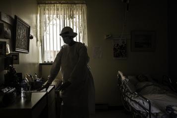 Travail au noir en CHSLD «On a exploité des gens», dénonce le PQ )