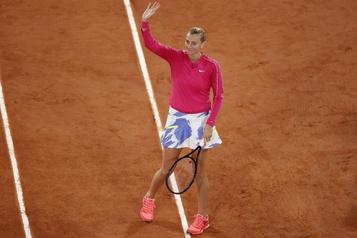 Roland-Garros La pluie retarde le début des matchs, Kvitova l'emporte sur le central)