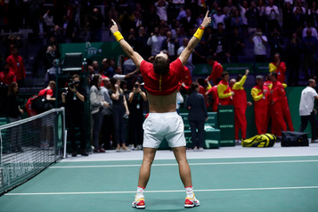 L'Espagne défait le Canada et remporte la Coupe Davis
