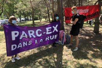 «Parc-Ex dans la rue», scandent des opposants aux rénovictions)