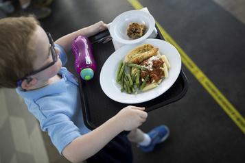Mesure alimentaire dans les écoles primaires de Montréal: un soutien essentiel, encore plus en pandémie)