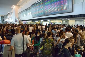 Typhon: 17000 personnes bloquées des heures à l'aéroport de Tokyo-Narita
