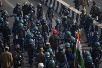 2000 soldats en renforts Heurts entre fermiers et policiers en Inde en marge de la fête nationale)
