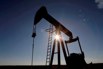 Le Canada dépend de plus en plus de l'importation de pétrole américain)