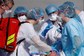 Coronavirus: plus de 700000 cas officiellement déclarés dans le monde