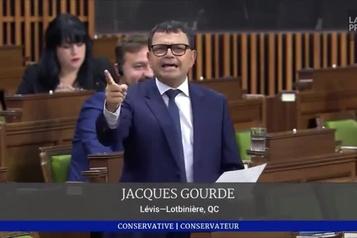 Jacques Gourde rend un hommage passionné à Yanni Gourde )
