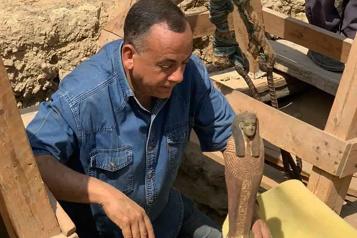 Découverte de 250tombeaux enfouis depuis plus de 4000ans en Égypte)