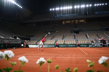 Roland-Garros Le public évacué pendant un match en raison du couvre-feu)
