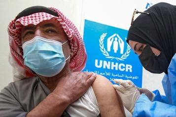 COVID-19 Londres demande des cessez-le-feu et plus de vaccins pour les pays en guerre)