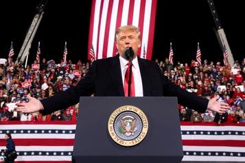 Premier rassemblement depuis la présidentielle En Géorgie, Trump maintient qu'il a gagné)