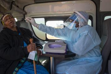 Vaccinsanti-COVID-19 L'agence de santé africaine dénonce les promesses vides des pays riches)