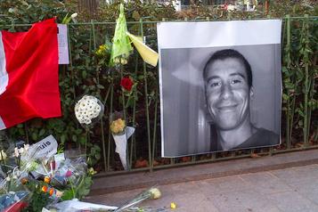 Au procès Charlie, le deuil sans fin des proches d'Ahmed Merabet)