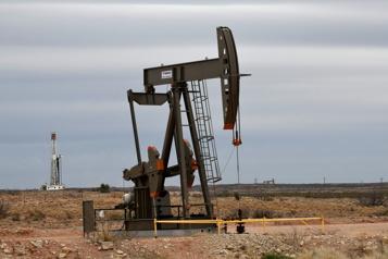 Le pétrole en hausse, la production américaine menacée par les ouragans)