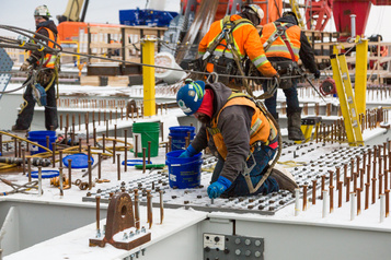 Canada: stabilisation des postes vacants qui demeurent à un niveau record