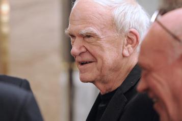 Milan Kundera retrouve la citoyenneté tchèque