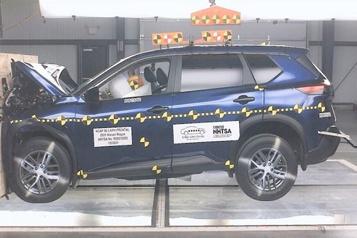 Test de collision LeNissan Rogue écorché par la NHTSA)