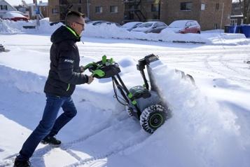 Souffleuse à neige: la révolution électrique en marche)