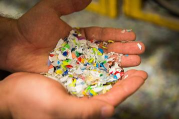 Une union pour recycler jusqu'à 300millions de contenants de plastique )