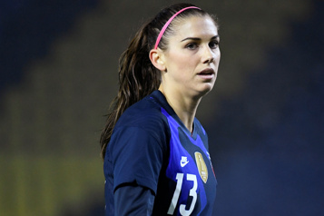 Alex Morgan, capitaine des États-Unis, positive à la COVID-19)