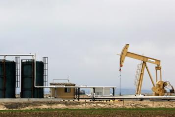Le pétrole en léger recul)