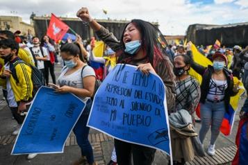 Répression des manifestations Les Colombiens exigent une réforme de la police)