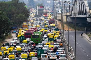 L'Inde est en récession technique pour la première fois depuis 1947)
