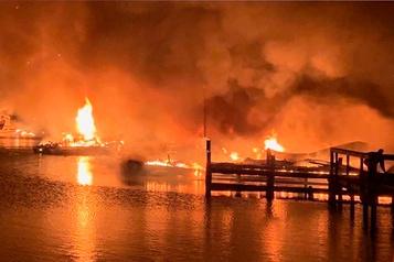 Huit morts dans l'incendie d'une marina dans l'Alabama