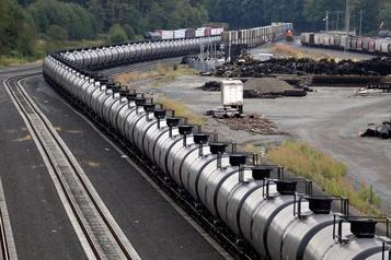 Le pétrole baisse après un indice économique décevant et avant Powell