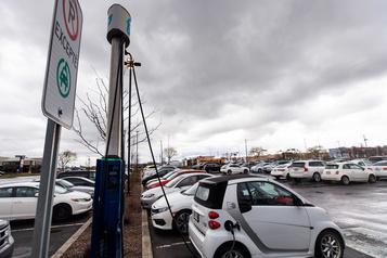 Autos électriques: le programme fédéral plus populaire que prévu
