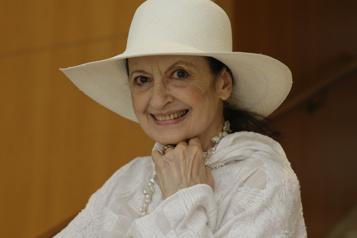Carla Fracci, reine du ballet italien, meurt à 84ans)