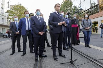 Nice Macron dénonce «une attaque terroriste islamiste» contre la France)