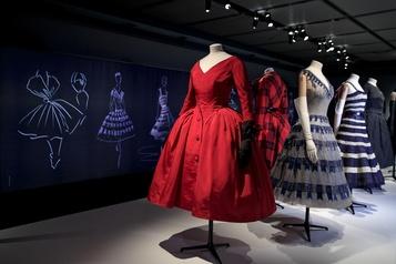 Exposition Sur les traces de Dior au musée McCord)