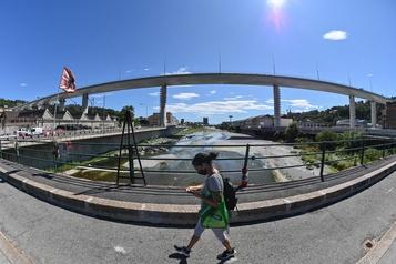 Le nouveau pont de Gênes ouvert à la circulation)