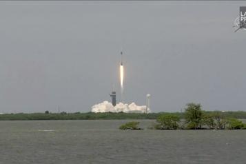 SpaceX lance des calamars vers la Station spatiale internationale)