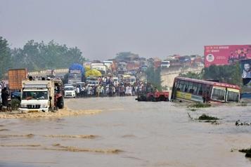 Inondations et glissements de terrain Au moins 116 morts en Inde et au Népal