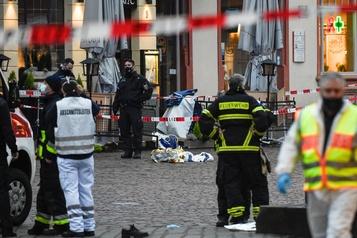 Allemagne Un «conducteur fou» fonce dans une zone piétonne, au moins deux morts)