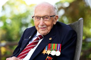 Angleterre Des honneurs militaires pour les funérailles de «Captain Tom» )