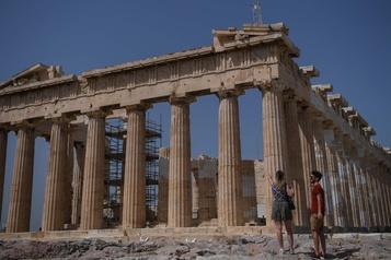 Début de la saison touristique en Grèce à la mi-juin)