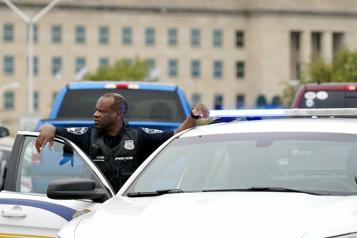 Plusieurs blessés Un policier poignardé à mort à quelques mètres du Pentagone)
