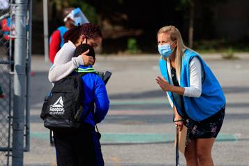 Élèves du primaire et du secondaire Priorité à la vaccination pour une rentrée sans masque )