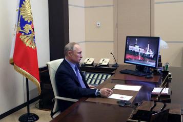 Vladimir Poutine appelle les Moscovites au respect du confinement