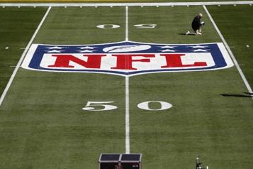 COVID-19 La NFL veut que les joueurs et le personnel rapportent les symptômes)