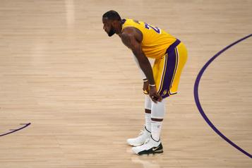NBA Les Lakers éliminés, LeBron James voit s'éloigner le record de Michael Jordan)