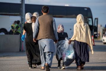 Un ex-réfugié dépense 50000$ pour aider les Afghans)