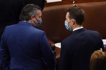 Attaque du Capitole Sept sénateurs demandent une enquête sur Ted Cruz et Josh Hawley)