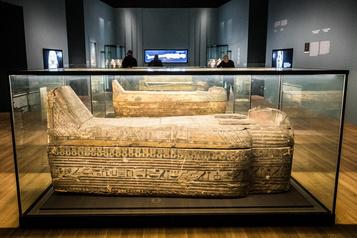 Momies égyptiennes:passé retrouvé, mystères dévoilés:lire à travers lesbandelettes