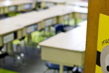 Une école refuse de changer de classe un enfant roué de coups)