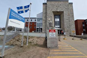 Éclosion de COVID-19 L'hôpital de La Malbaie limite son nombre d'opérations)