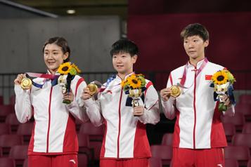 Tennis de table Les Chinoises championnes olympiques, Hong-Kong en bronze)